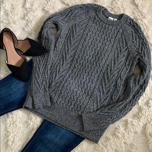 GAP Crewneck Sweater - size M Tall